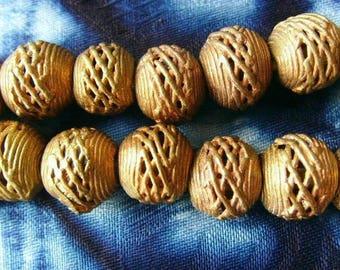 8 beads African brass BB05