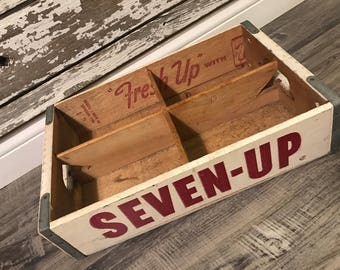Vintage 1971 7up Seven Up Wood Soda Pop Crate 4 Dividers Near MINT St Louis Mo