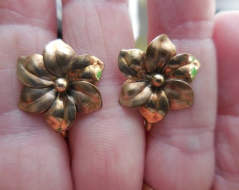 Vintage Gold Tone Tiny/Small Flower Screw Back Earrings By HSB/Bick & Son Gold Filled Non Pierced 1940s to 1960s