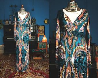 Beautiful 1970s style paisley maxi dress