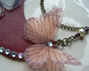 Woman/bib necklace, boho Chic, leather, Organza and butterflies.