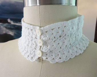 Handmade Vintage Crocheted White Choker With Buttons