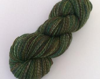 Dinna Fash - hand dyed yarn 3.5 oz 460 yds