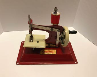 Toy Gateway Sewing Machine Junior Model NP-1