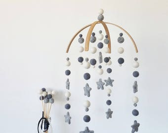 Baby Mobile, Cot Mobile, Nursery Mobile, Crib Mobile, Felt Ball Mobile, Custom Mobile, Baby Shower, Grey and White Mobile, Baby Boy Mobile