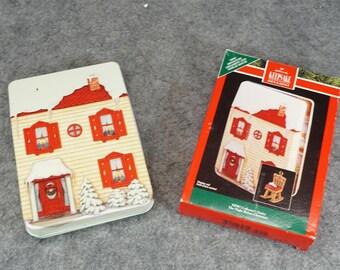 Hallmark Miniature ornament and Display House c. 1992