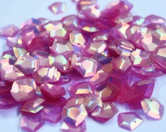 100 Pentagon Shape Sequins/Pink color/Rainbow effect/KBPS525