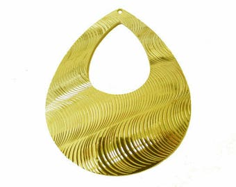 1 x pendant drop hollowed Golden engraved metal 50x38mm