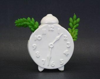 Vintage White Alarm Clock Wall Pocket Planter (E8382)