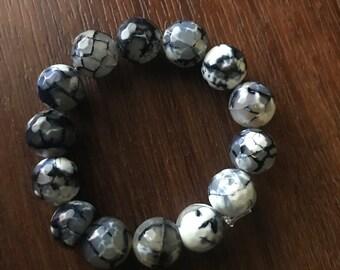 14mm beaded ombre bracelet black and white