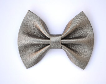 Gunmetal Metallic Leather Bow Clip for Newborn Baby Child Little Girl Photo Prop Adorable Beautiful Headband