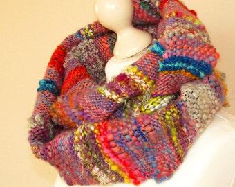 Handwoven scarf Handwoven cowl Saori weaving Women boho scarf Infinity scarf Natural wool scarf Handspun handwoven Handmade warm scarf