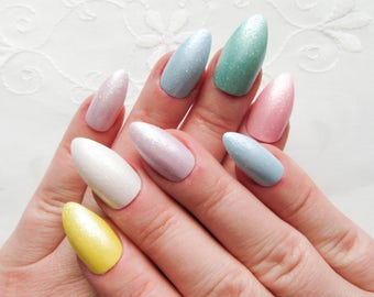 Mermaid Pearl Fake Nails / Stiletto Nails / False Nails / Press on / Glitter / Pastel / Rainbow / Candy / Nails