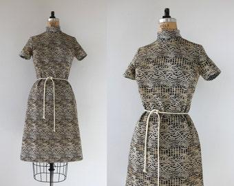 SALE // vintage 1960s dress / 60s graphic print dress / 60s day dress / 60s polyester dress / 60s a line dress / medium med m