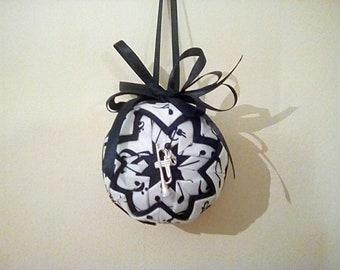 Quilt ball ornaments