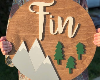 """18"""" Round Sign WITH Mountains and Trees"""
