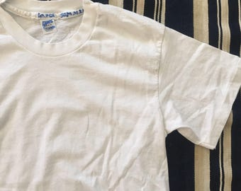 Vintage 1980s Hanes White T-Shirt Mens Size S/M Made In USA