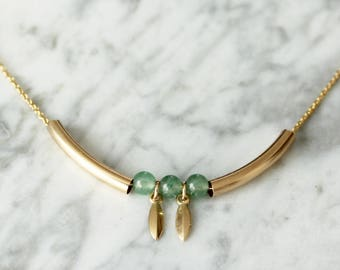 Curve necklace plated gold and green aventurine marquise gold plated charm