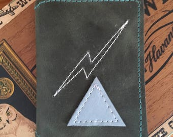Leather Wallet lightening bolt Olive Green