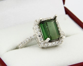 Natural 1.81 cts Green Tourmaline Solid 14K White Gold Diamond Ring