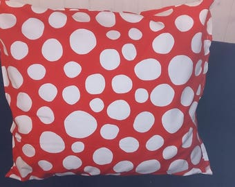 Big white pillow and removable red 70 x 60 cm