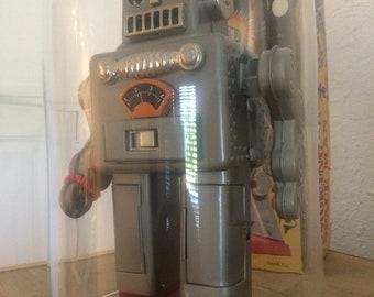 Robot spaceman Tuxedo