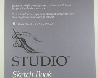 """Sketch Book Studio, Hilroy 30 Sheets 12-1/4"""" X 9"""" Blank Sheets, Smooth Texture, For Pencil and Colour Markers, Made in Canada Unused"""