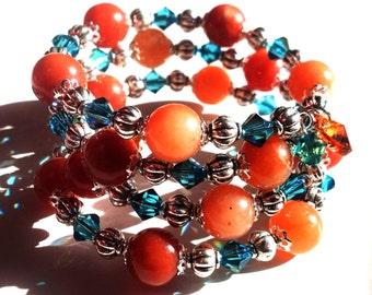 Rote und blaue Memory Wire Armband Topas Herz Swarovski und Aventurin Edelstein Orange rot und Bue südwestlichen Schmuck Cyber Montag Verkauf
