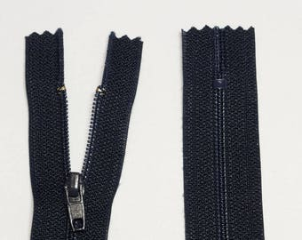 Zipper has a zipper 18cm black green or purple