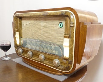 Bluetooth speaker system Art Deco 1953 Fedha Radio model 74 with FM radio and Aux inputs. Art Deco Modernist style.