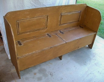 Roanoke Farm House Bench