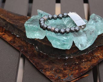 Hematite Faceted Beaded 8G USB Bracelet