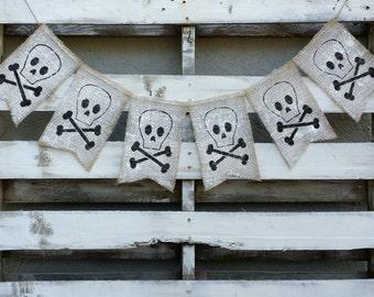 Halloween Skull and Bones Burlap Banner, Halloween Banner, Halloween Decor, Halloween Photo Prop, Halloween Wedding Decor, Scary Banner
