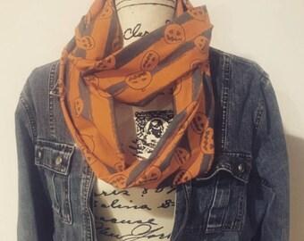 Jack-o-lantern infinity scarf
