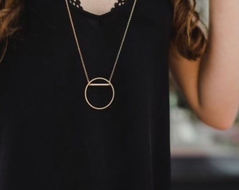 long circle necklace / geometric necklace / layered necklace / delicate necklace / minimalist necklace / gold necklace / circle necklace