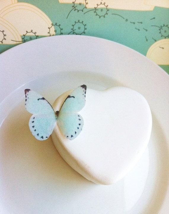 EDIBLE Butterflies The Original - Small Baby Blue - Cake & Cupcake toppers - PRECUT and Ready to Use