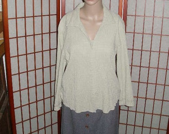 "Moss Green Blouse, size L, 99 pct cotton, 1 pct spandex, hook and eye front, 23"" long wonderful fit, vintage, retro"