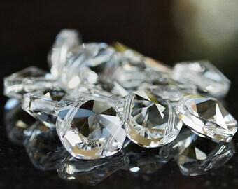 Swarovski Elements 14mm Square Bead Double Hole Crystal : 2 pc