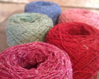 recycled yarn with wool and acrylic, knit and crochet, suitable for scarfs, mittens, hats and other