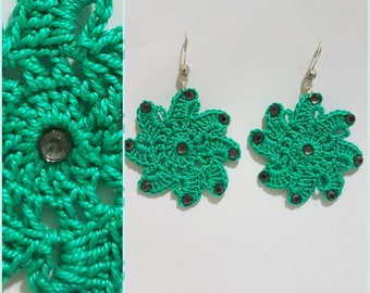 Flower earrings with rhinestones