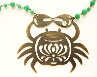 Crab statement necklace Cancer zodiac metal crab silhouette vintage daisy, vintage green glass long statement necklace