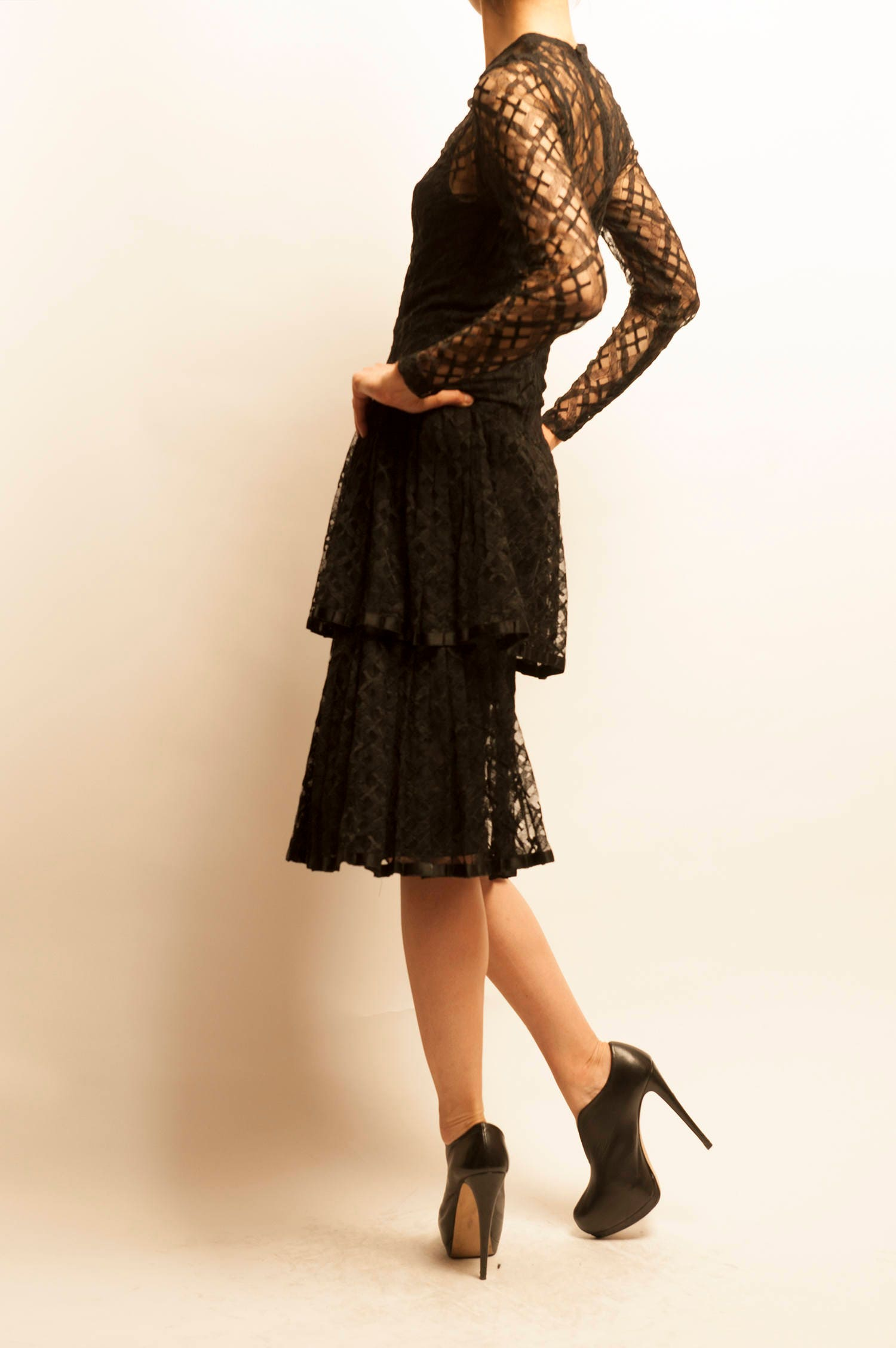 1940-50\'s embroidered black cocktail dress