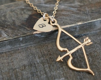 Heart with Bow and Arrow Necklace // Personalized Cupids Arrow Charm Necklace in Gold / Dainty and Modern Gift for Her