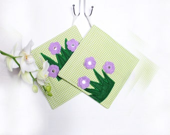 Green potholders Cooking gift green Kitchen gift Green gift for sister gift Country kitchen st patricks day Kitchen pot holders Easter gift