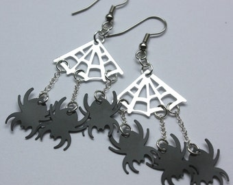 Halloween Earring Black Spiders & Silver Webs Creepy Crawly Bugs Dangle Plastic Sequins