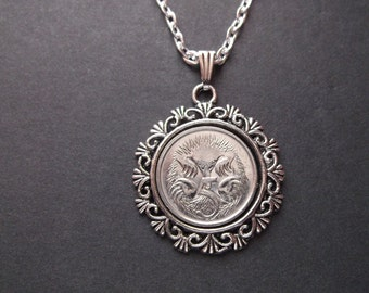 Australia Coin Necklace in a Pendant Tray - Australia 1994 Coin Pendant with Chain
