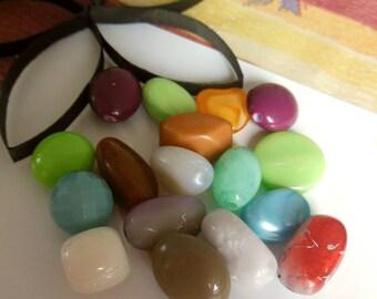 set of 17 plastic beads
