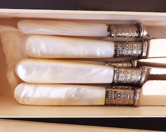 Antique Meriden Silver and Pearl Knife Set, Vintage Cutlery Set, Vintage Knives, Kitchen Cutlery, Serving Utensils, Flatware, Silverware
