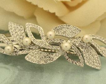 Bridal hair clip,Pearl hair accessories,Wedding hair comb,Bridal barrettes,Wedding hair piece,Bridal hair jewelry,Wedding barrettes,Crystal