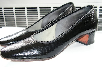 DeLiso Black Leather Pumps Size 8